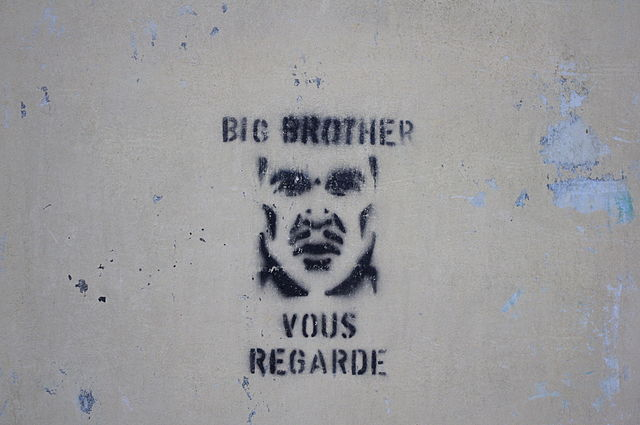 640px-Big_Brother_graffiti_in_France_2